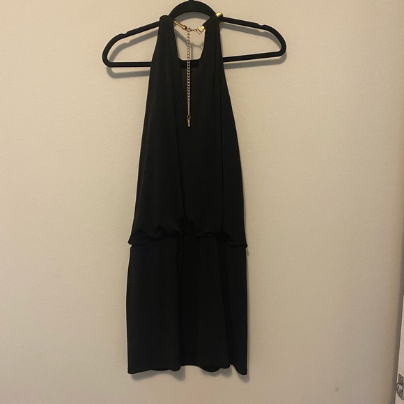 Beautiful dress pre-owned in excellent condition